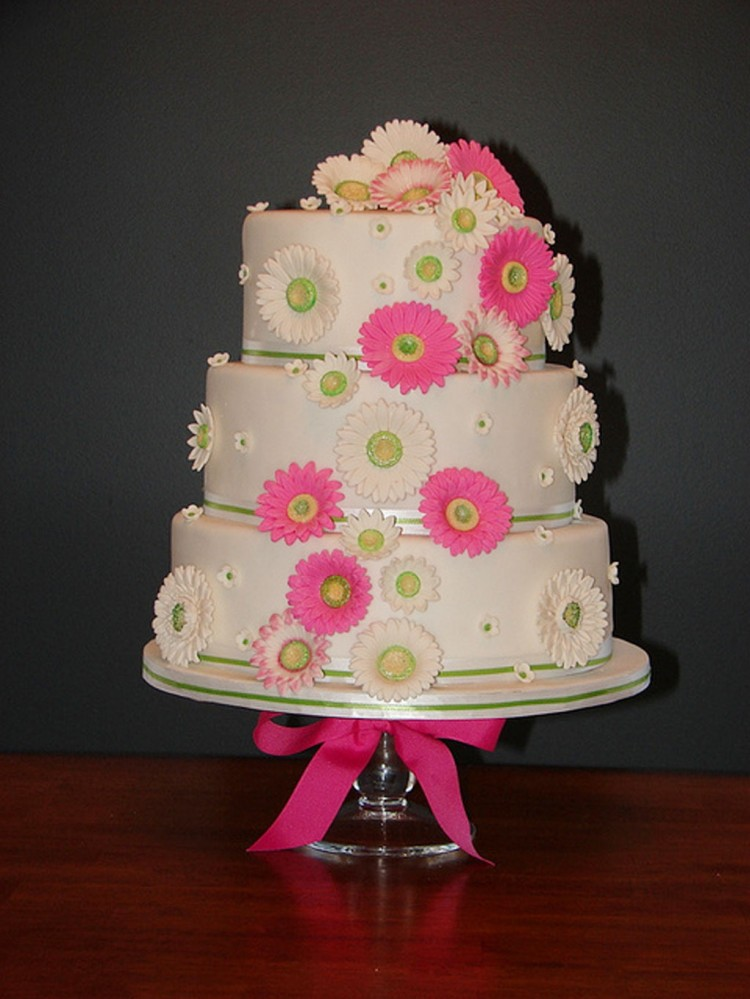 Gerber Daisy Wedding Cakes Picture in Wedding Cake