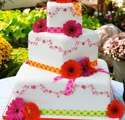 1024x1300px Gerber Daisy Wedding Cake Picture in Wedding Cake