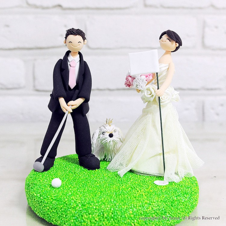 Golf Mania Couple Wedding Cake Topper Picture in Wedding Cake