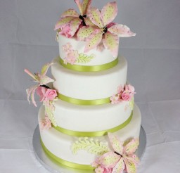 1024x1365px Green Stargazer Lily Wedding Cake Picture in Wedding Cake