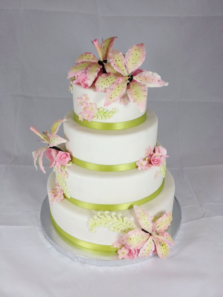 Green Stargazer Lily Wedding Cake Picture in Wedding Cake