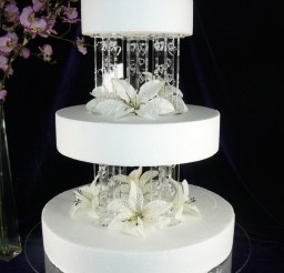 1024x768px Hearts Design Wedding Cake Pillars Picture in Wedding Cake
