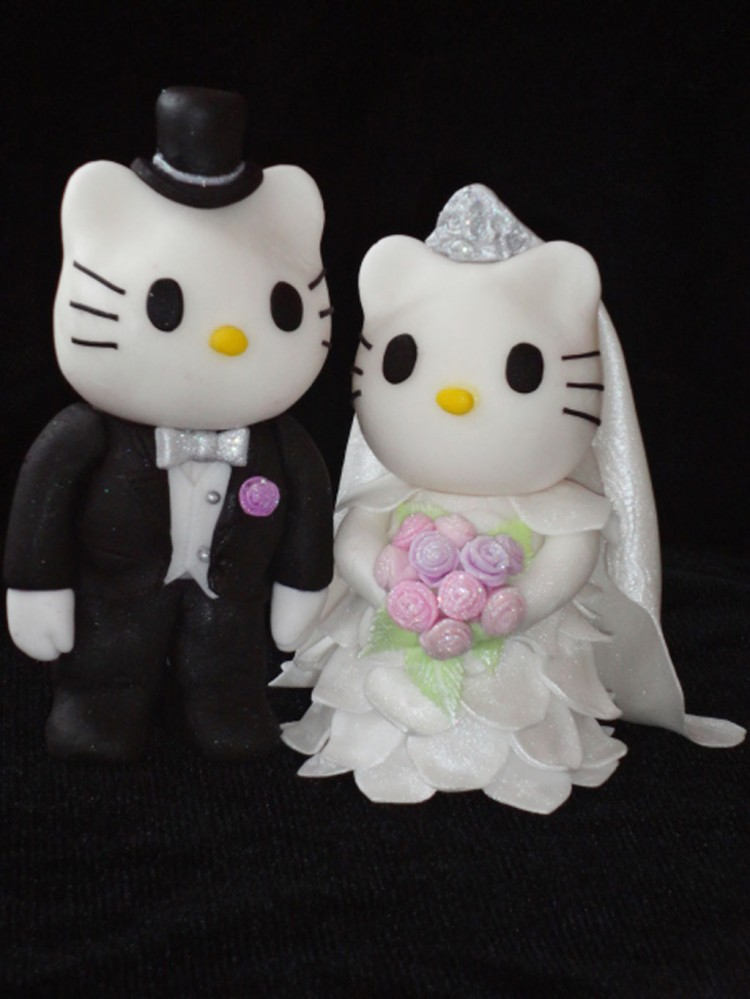 Hello Kitty Wedding Cakes Topper Picture in Wedding Cake