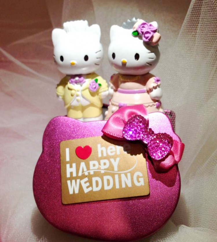 Hello Kitty And Daniel Wedding Cake Topper1 Picture in Wedding Cake