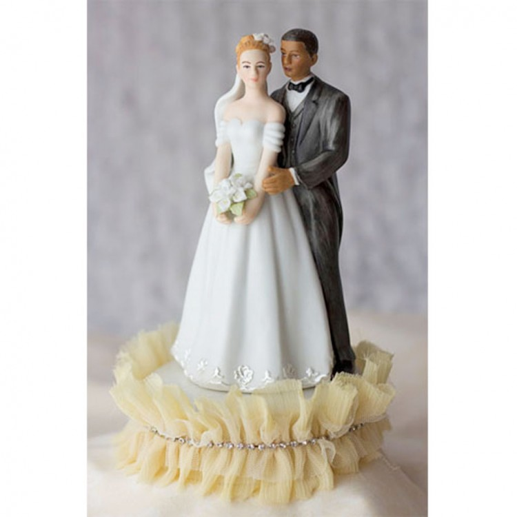 Interracial Wedding Cake Topper Picture in Wedding Cake
