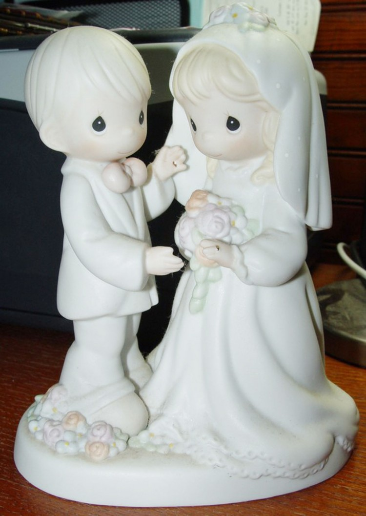 Precious Moments Wedding Cake Topper Picture in Wedding Cake