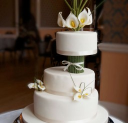 1024x1538px Ivory Calla Lily Wedding Cake Picture in Wedding Cake