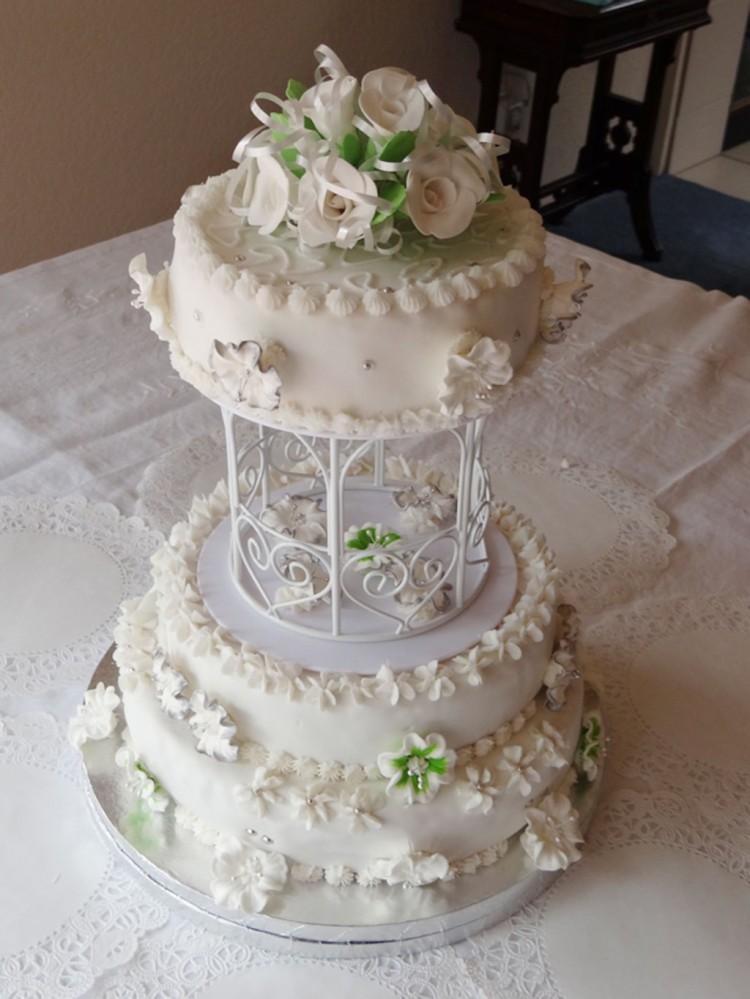 Jamaican Rum Wedding Cake Picture in Wedding Cake