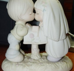 1024x1184px Kissing Moments Wedding Cake Topper Picture in Wedding Cake