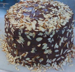 1024x1024px Layer Hershes Chocolate Cake Picture in Chocolate Cake