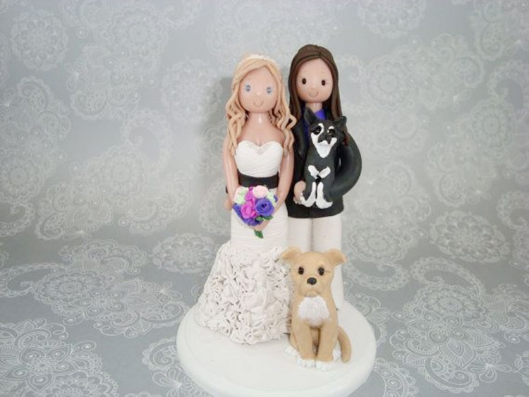 Lesbian Wedding Cake Topper Picture in Wedding Cake