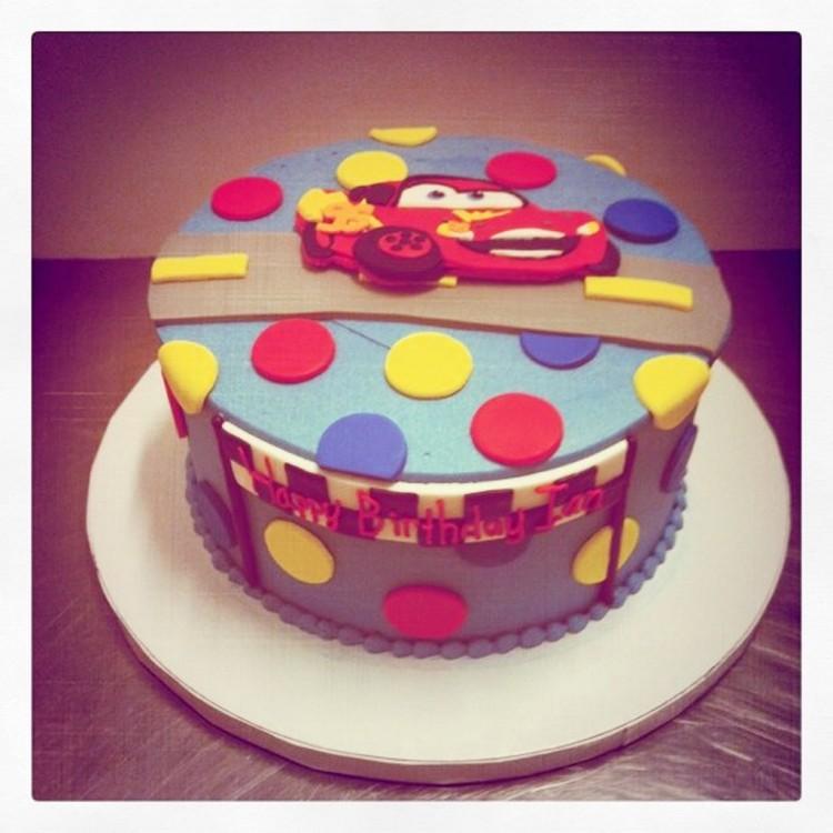 Lightning McQueen Birthday Cake Picture in Birthday Cake