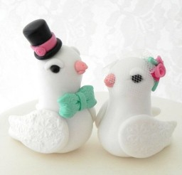 1024x1024px Love Doves Wedding Cake Topper White Picture in Wedding Cake