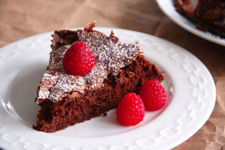 Martha Stewarts Flourless Chocolate Cake With Raspberry Picture in Chocolate Cake