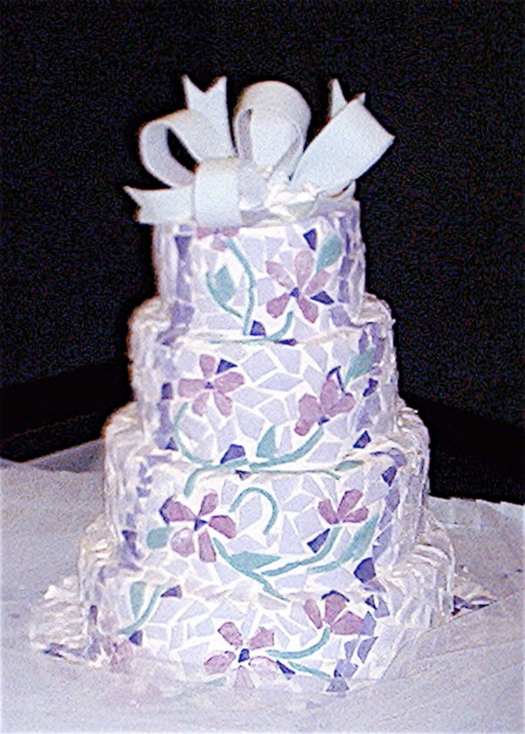 Midnight Sun Cakery Anchorage Wedding Cake Picture in Wedding Cake
