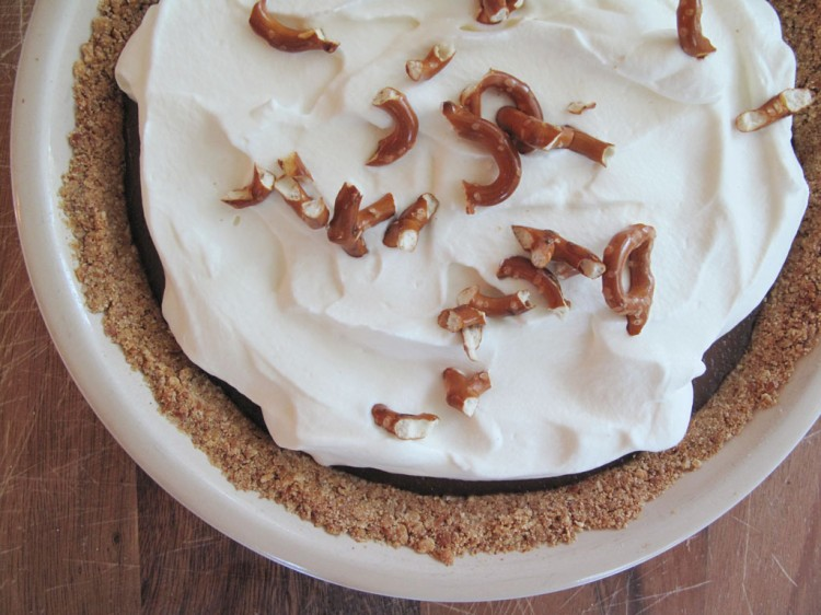 Milk Chocolate Pudding Pie With Pretzel Crust Picture in Chocolate Cake