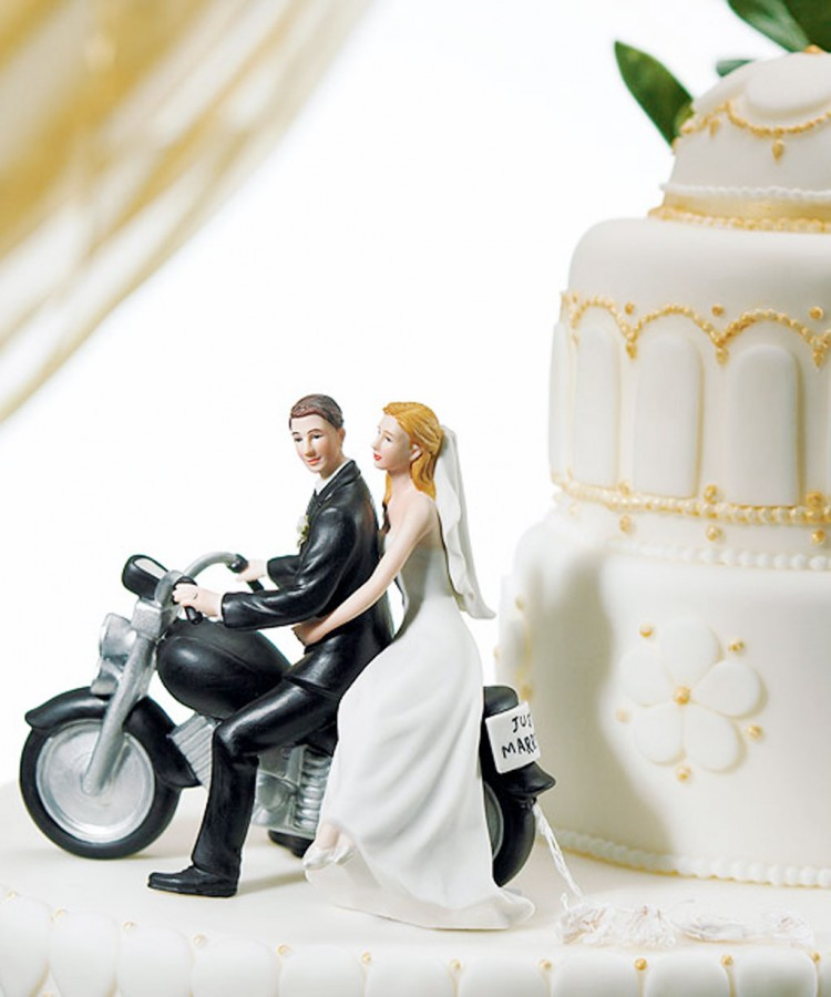 Motorcycle Wedding Cake Topper Picture in Wedding Cake