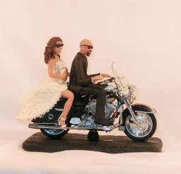 1024x1024px Motorcycle Wedding Cake Topper Bald Groom Picture in Wedding Cake