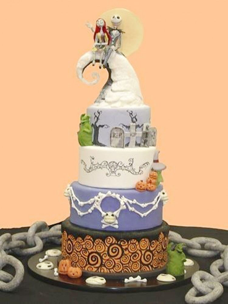 Nightmare Before Christmas Wedding Cake Picture in Wedding Cake