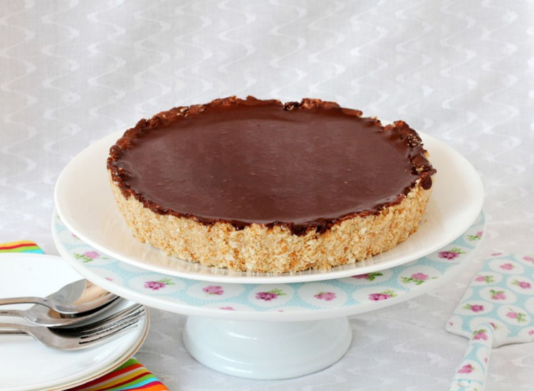 No Bake Chocolate Cheesecake Picture in Chocolate Cake
