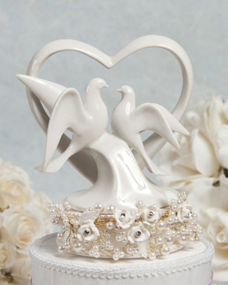 Pearl And Dove Wedding Cake Topper Picture in Wedding Cake