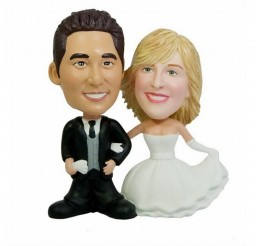 1024x768px Personalized Bobblehead Wedding Cake Topper Picture in Wedding Cake