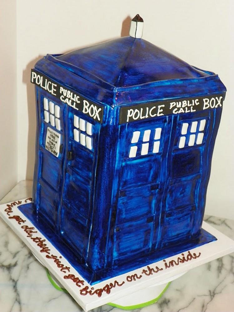 Police Tardis Birthday Cake Picture in Birthday Cake