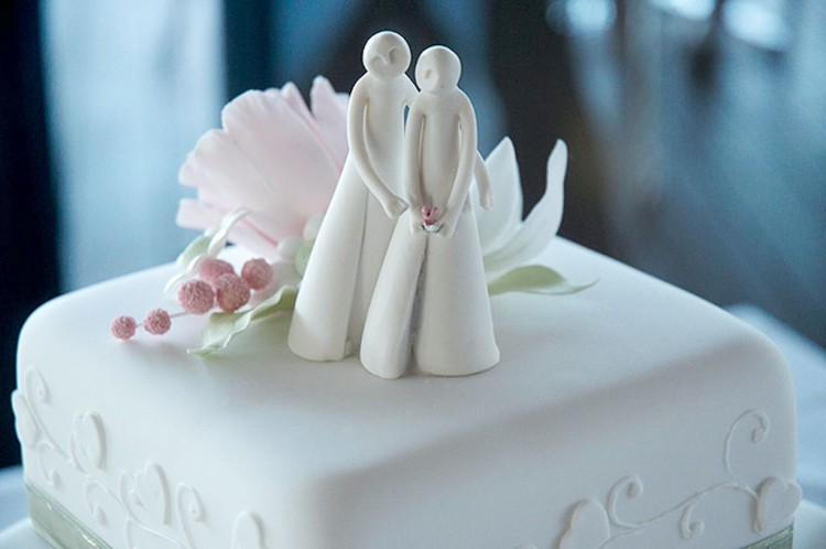 Porcelain Wedding Cake Toppers Picture in Wedding Cake