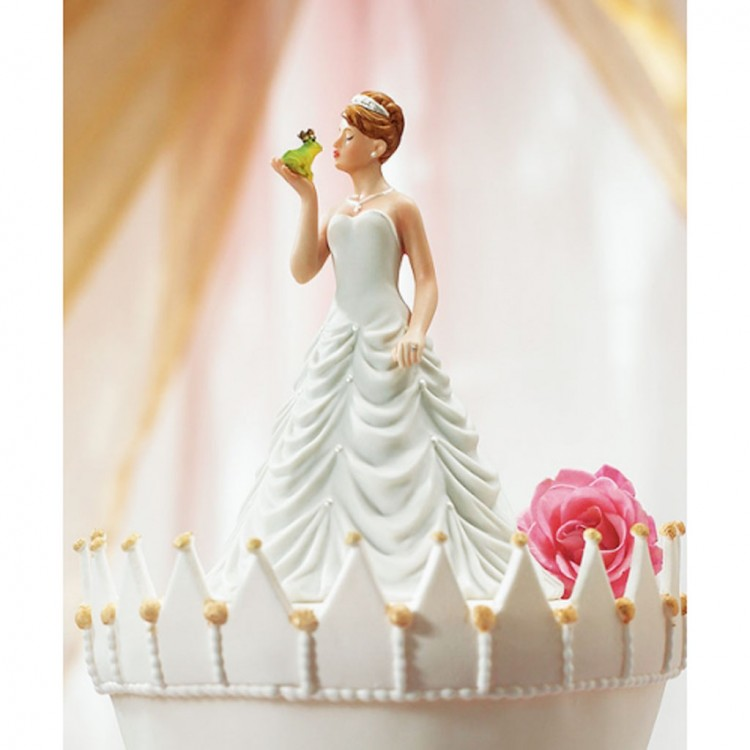 Princess And Frog Wedding Figurine Cake Topper Picture in Wedding Cake