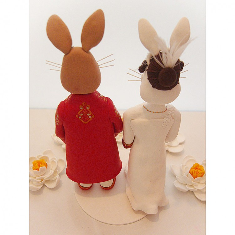 Rabbit Wedding Cake Topper Picture in Wedding Cake