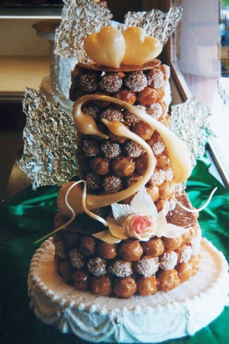 Real French Wedding Cake With Cream Puffs Picture in Wedding Cake