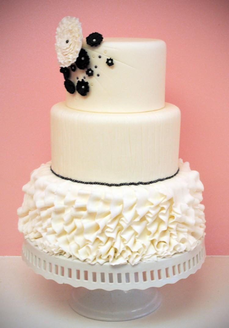 Rhode Island Wedding Cakes Celebration Picture in Wedding Cake
