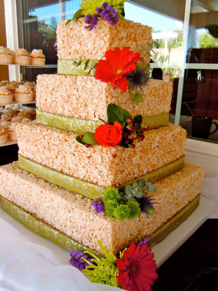 Rice Krispie Wedding Cake Picture in Wedding Cake