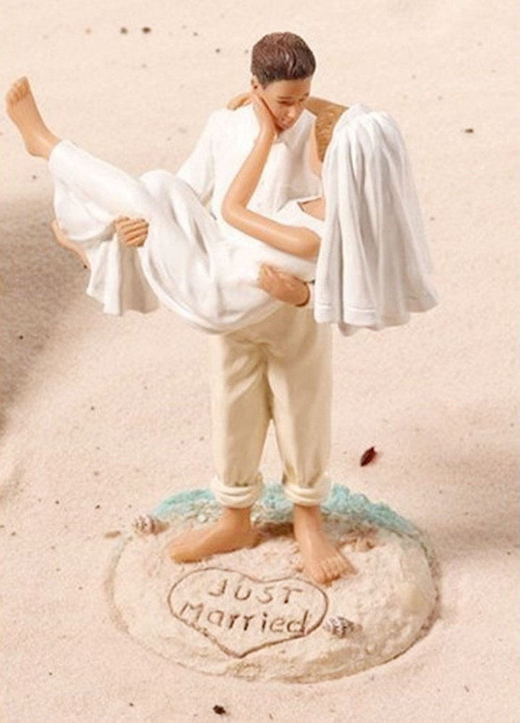 Romantic Beach Wedding Cake Topper Picture in Wedding Cake