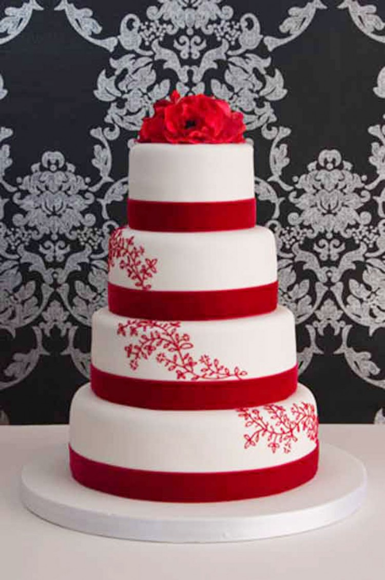 Romantic Red Wedding Cake Designs Picture in Wedding Cake