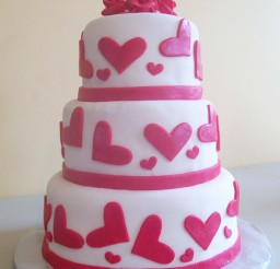 1024x1365px Romantic Valentine Wedding Cake Picture in Wedding Cake