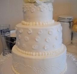 1024x1365px Round Buttercream Wedding Cake Picture in Wedding Cake