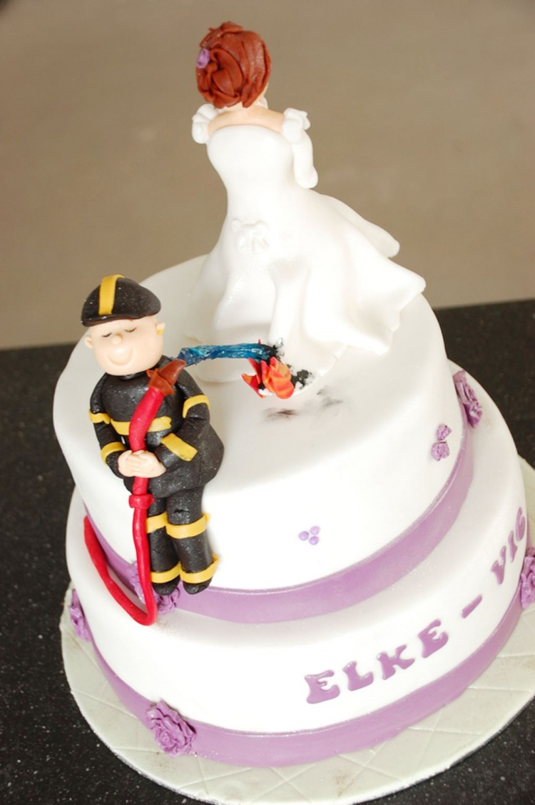 Round Fireman Wedding Cakes Picture in Wedding Cake