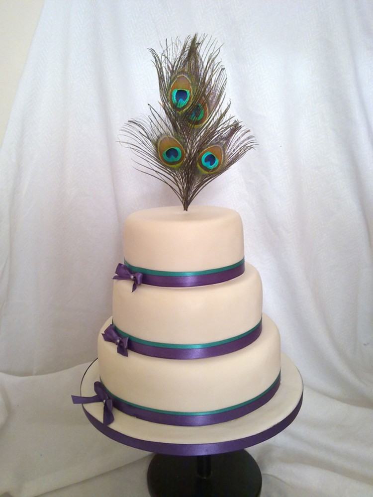 Round Peacock Wedding Cakes Picture in Wedding Cake