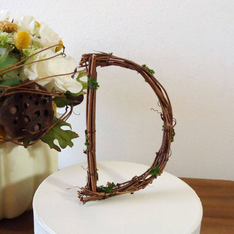 Rustic Iniial Wedding Cake Topper Picture in Wedding Cake