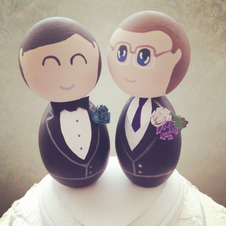 Same Sex Custom Wedding Cake Toppers Picture in Wedding Cake