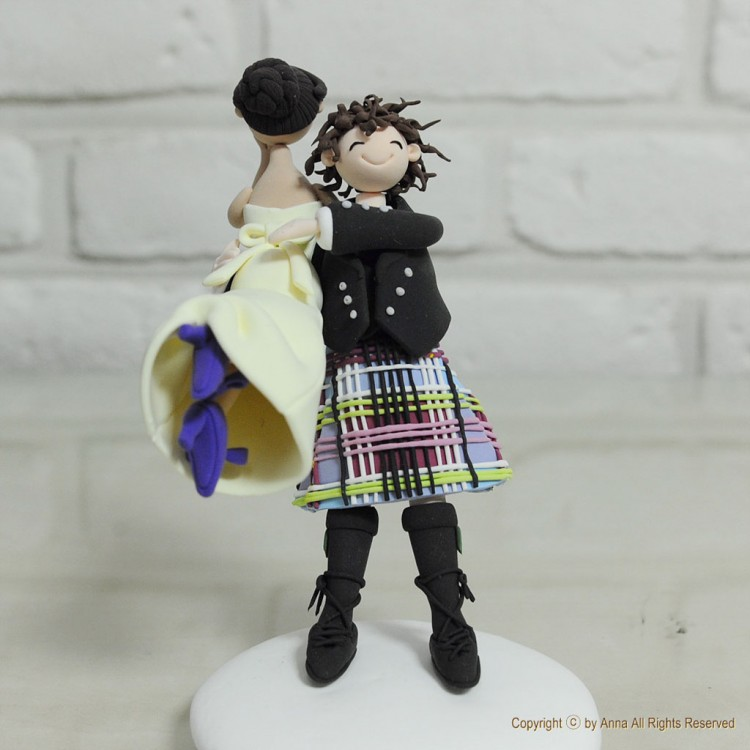 Scottish Kilt Theme Wedding Cake Topper Picture in Wedding Cake