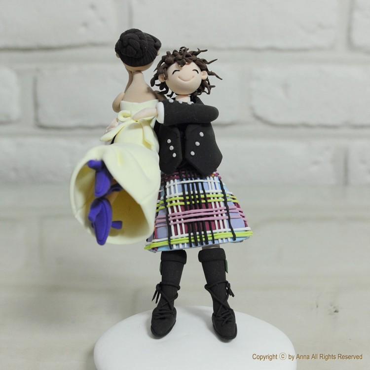 Scottish Kilt Theme Wedding Cake Topper Picture in Wedding Cake