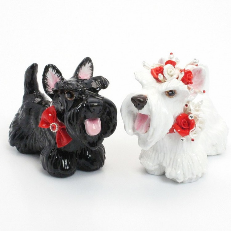 Scottish Terrier Wedding Cake Topper Picture in Wedding Cake