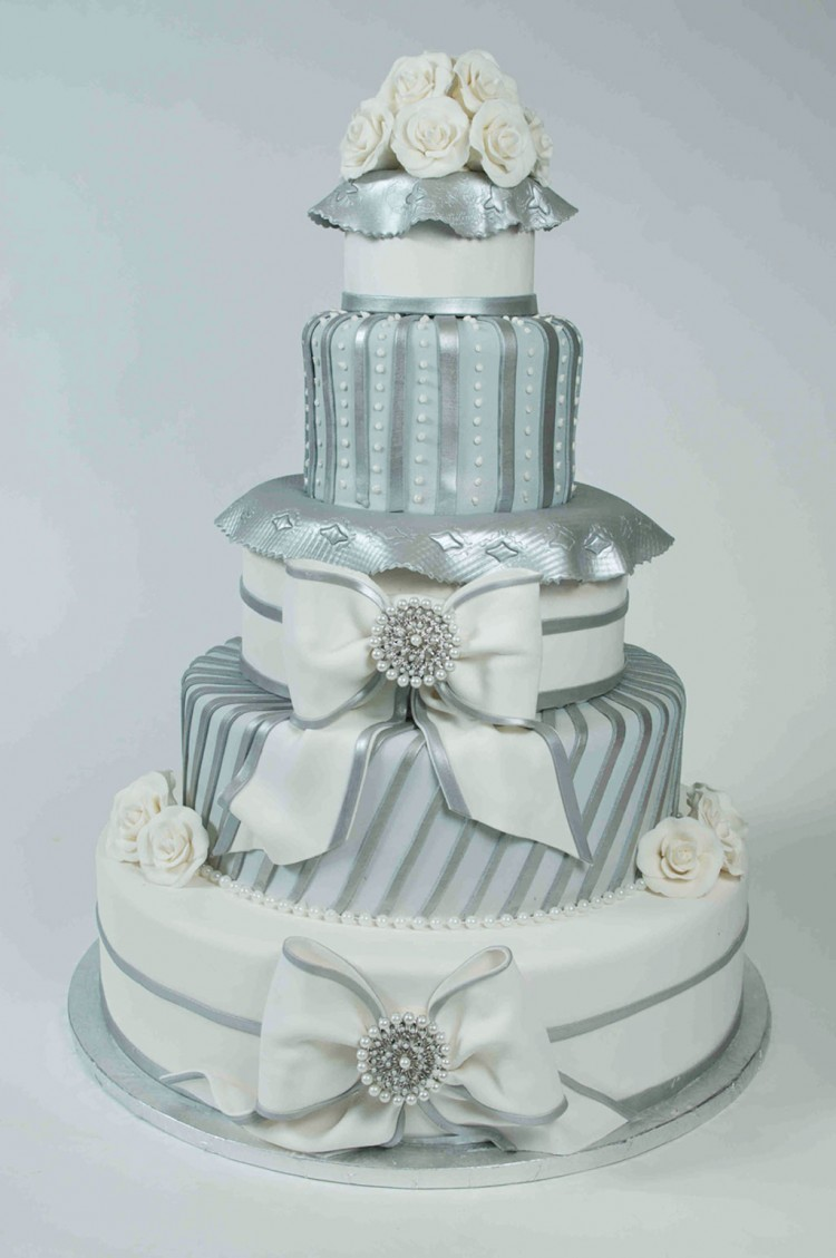 Silver Elegance Wedding Cake Picture in Wedding Cake