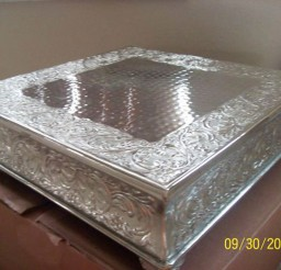 1024x767px Silver Wedding Square Cake Stand Picture in Wedding Cake