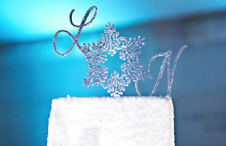 Snowflake Monogram Wedding Cake Topper Picture in Wedding Cake