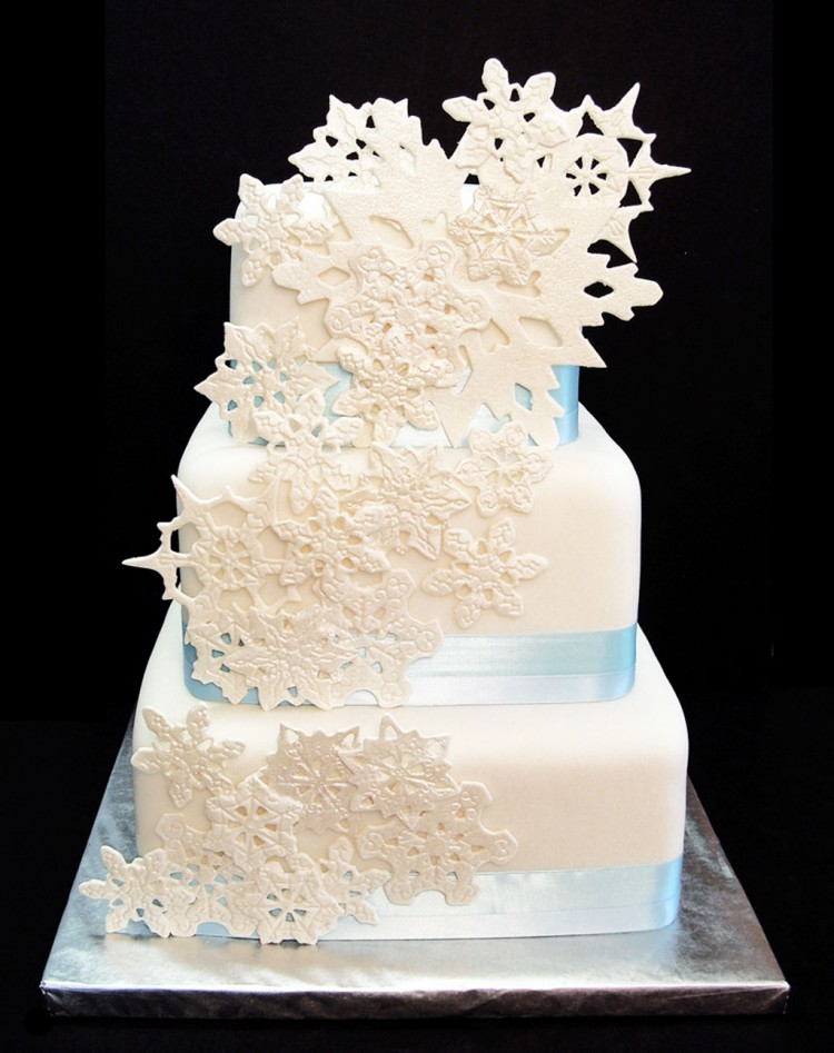 Snowflake Wedding Cake Picture in Wedding Cake