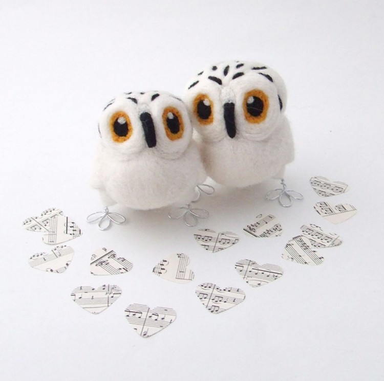 Snowy Owl Wedding Cake Topper Picture in Wedding Cake