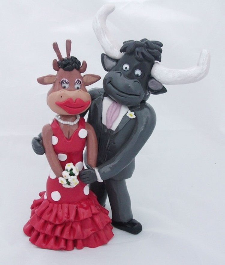 Spanish Cow Wedding Cake Toppers Picture in Wedding Cake